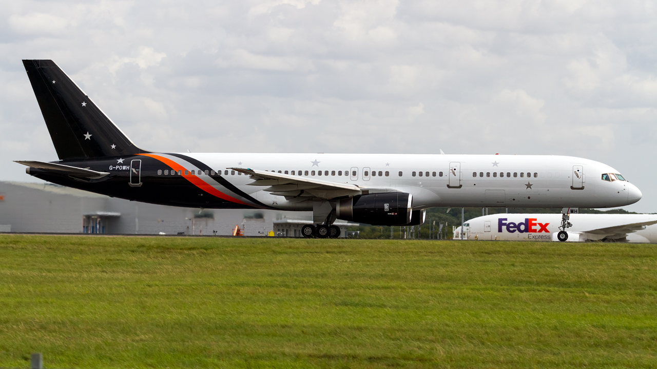 Click image for larger version.  Name:Titan airways 757-200 REG- G-POWH.jpg Views:17 Size:549.9 KB ID:27267