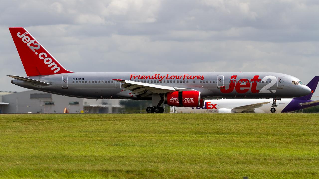 Click image for larger version.  Name:Jet2 757-200 REG- G-LSAG.jpg Views:21 Size:647.7 KB ID:27268