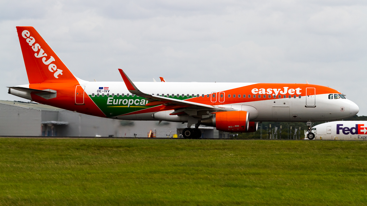 Click image for larger version.  Name:easyjet europe A320-200 REG- OE-IVV.jpg Views:21 Size:589.2 KB ID:27269