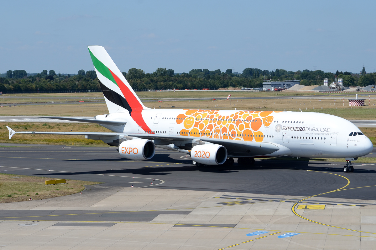 Click image for larger version.  Name:emirates2.jpg Views:11 Size:694.0 KB ID:27567
