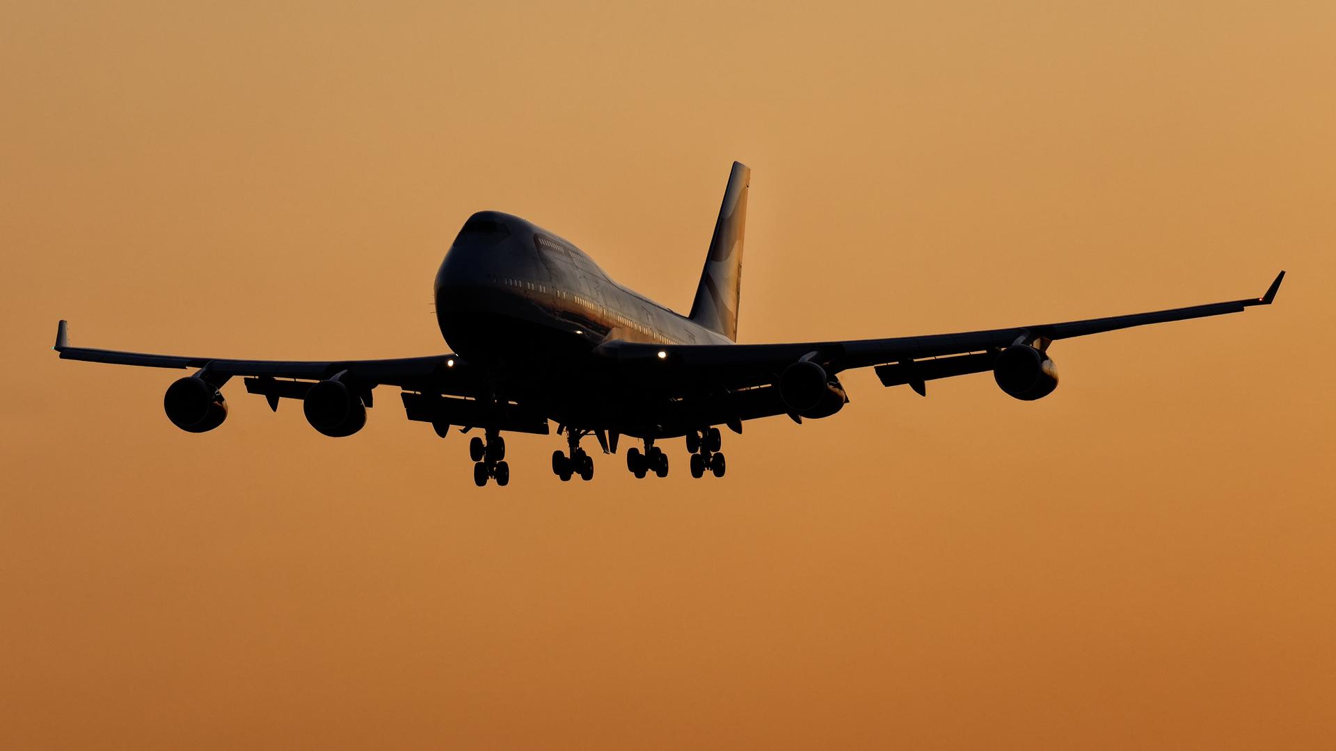 Click image for larger version.  Name:G-BYGA-BA-sunset.jpg Views:17 Size:845.5 KB ID:28472