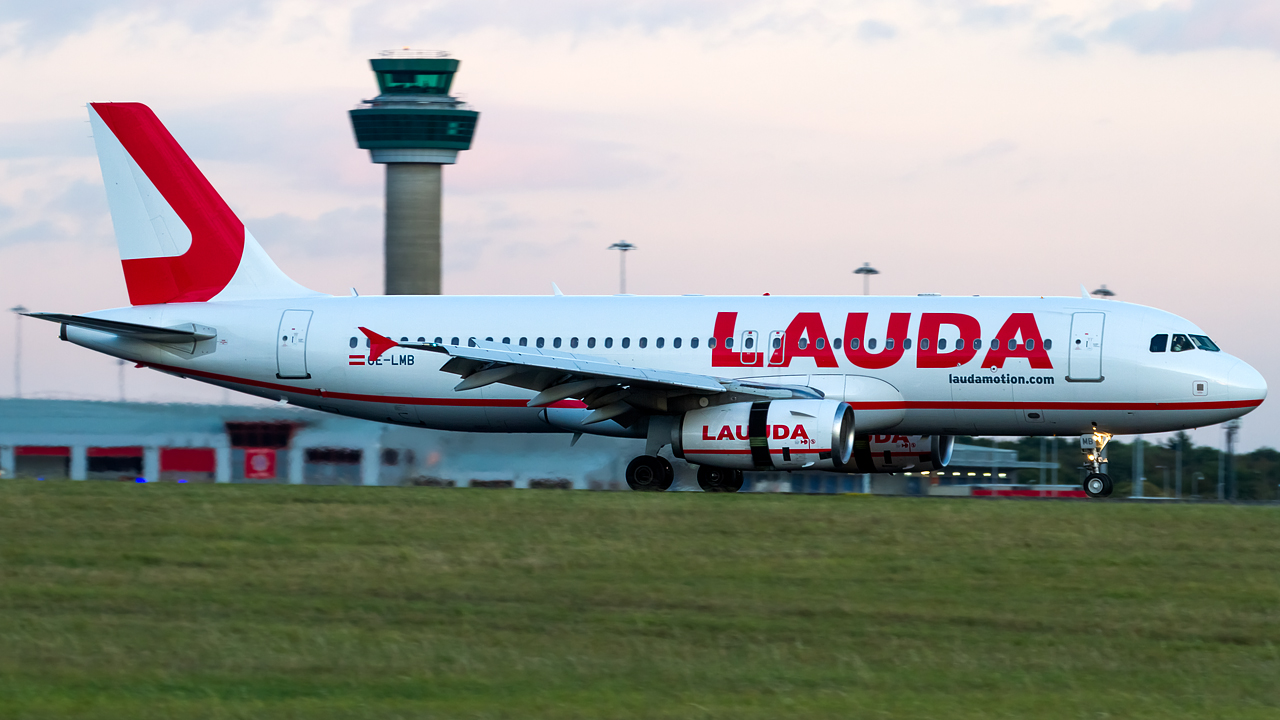 Click image for larger version.  Name:LaudaMotion A320-232 REG-OE-LMB.jpg Views:20 Size:499.1 KB ID:28491