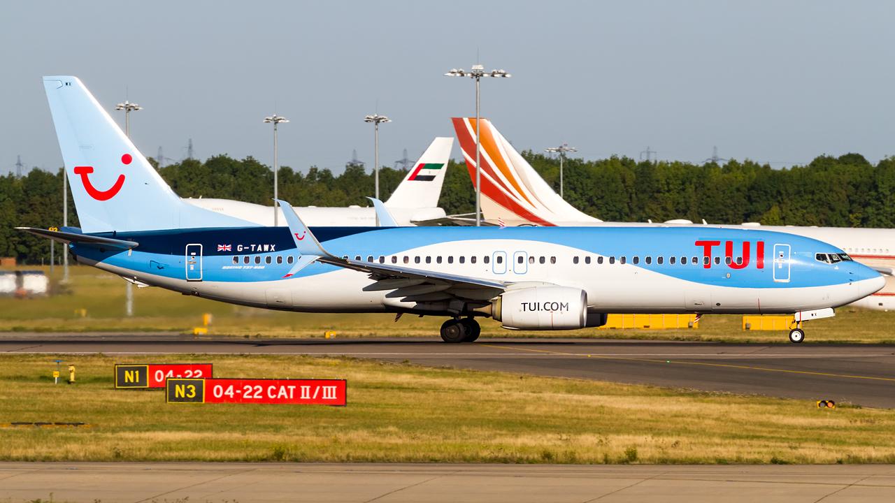 Click image for larger version.  Name:TUI 737-8K5 REG- G-TAWX.jpg Views:17 Size:653.7 KB ID:28540