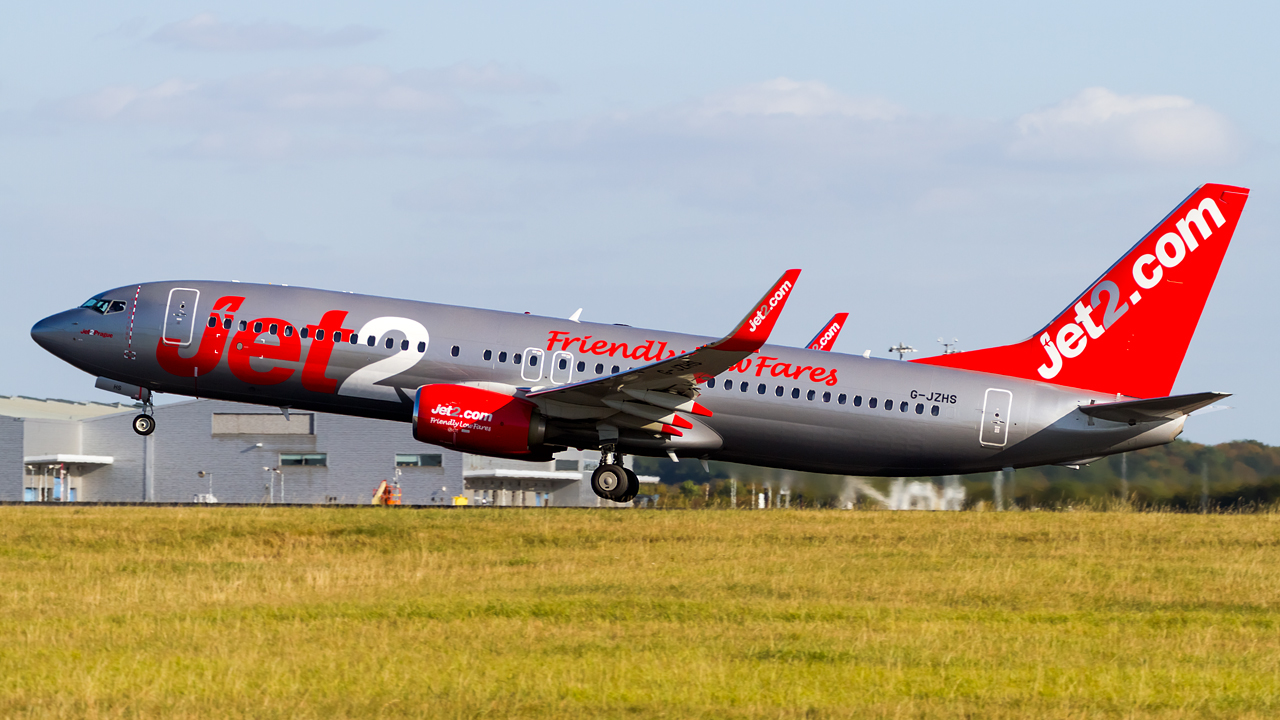Click image for larger version.  Name:Jet2 737-8MG REG- G-JZHS.jpg Views:13 Size:595.3 KB ID:28605