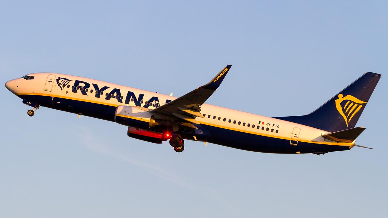 Click image for larger version.  Name:Ryanair 737-8AS REG- EI-FTG.jpg Views:14 Size:455.6 KB ID:28607