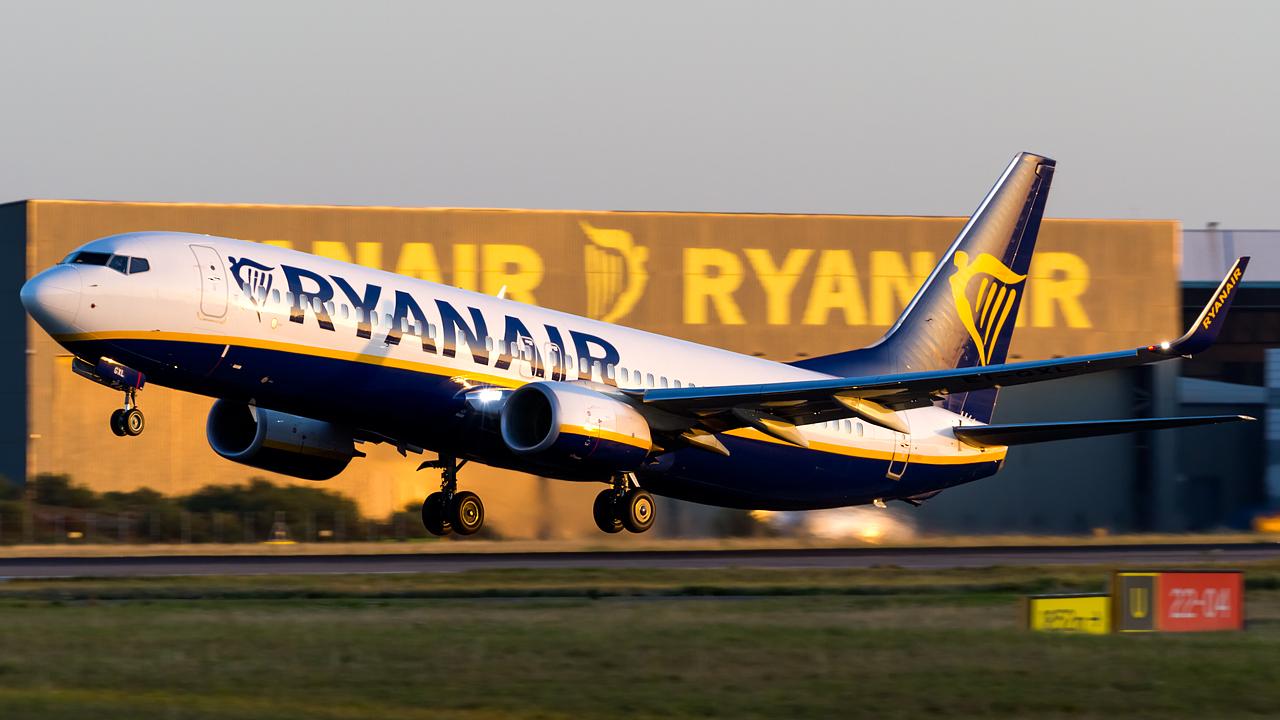 Click image for larger version.  Name:Ryanair 737-8AS REG- EI-GXL.jpg Views:19 Size:548.3 KB ID:28608