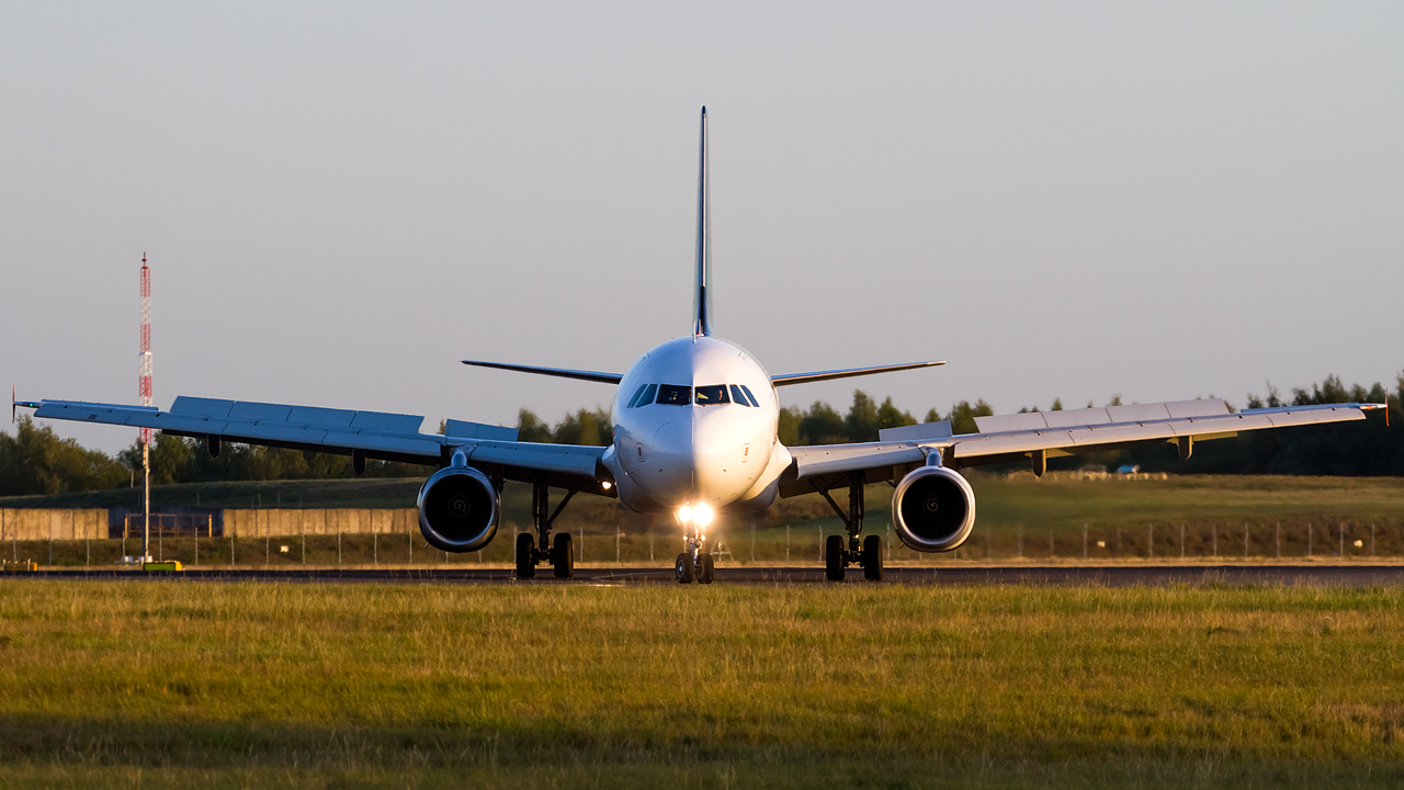 Click image for larger version.  Name:Titan Airways A320-232 REG- G-POWM.jpg Views:14 Size:554.7 KB ID:28609