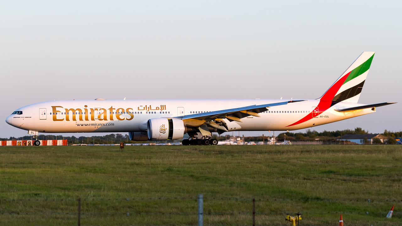 Click image for larger version.  Name:Emirates 777-31HER REG- A6-EQL.jpg Views:14 Size:533.0 KB ID:28658