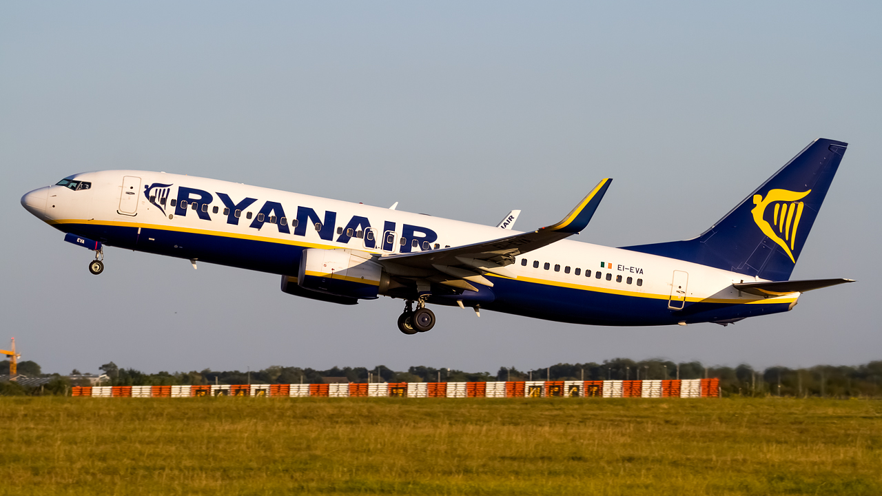 Click image for larger version.  Name:Ryanair 737-8AS REG- EI-EVA.jpg Views:12 Size:513.1 KB ID:28661